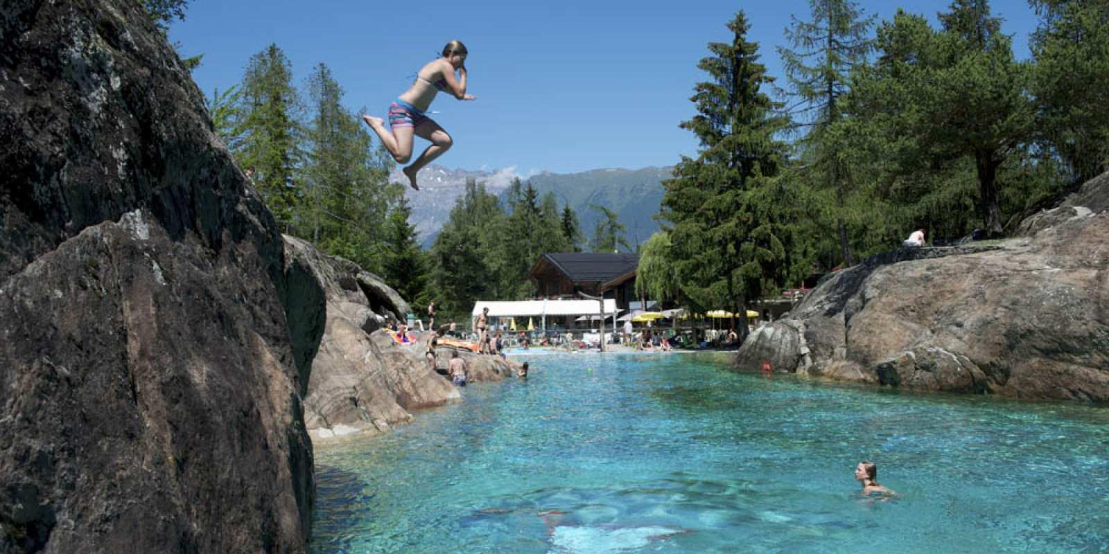 Zoo et piscine des mar cottes terroir tourisme for Piscine de montceau les mines